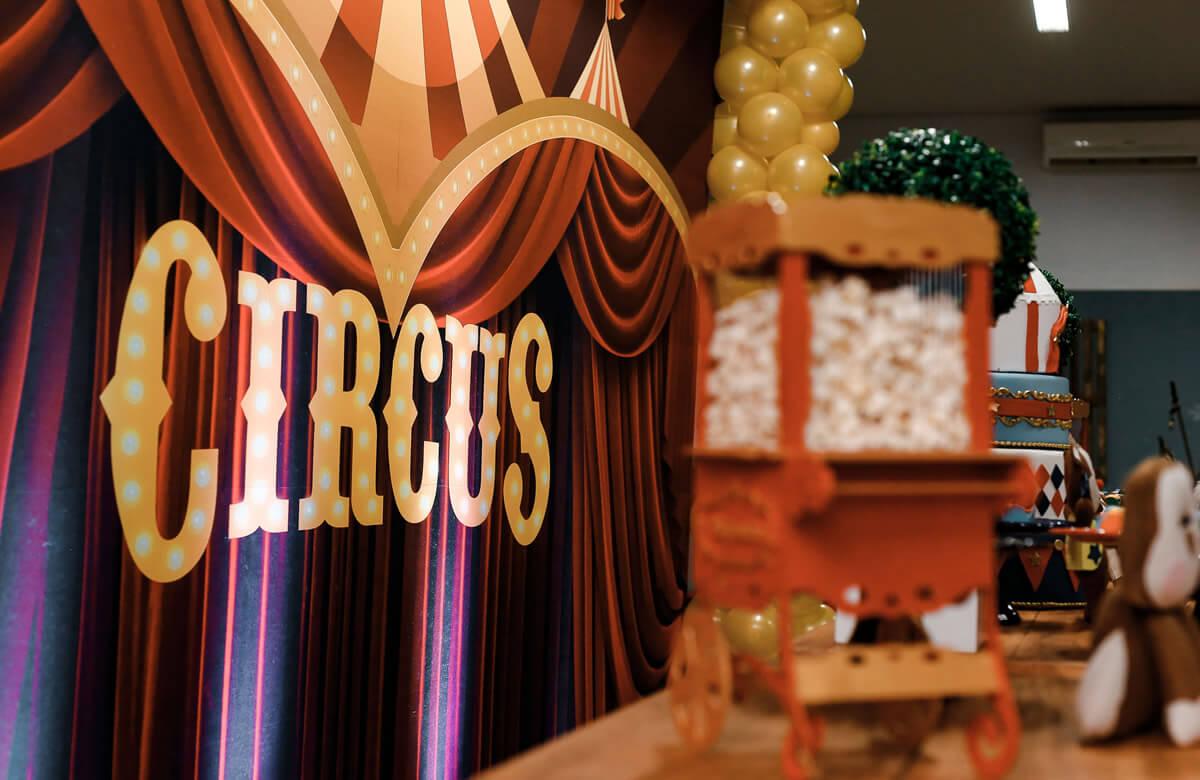 Fiesta de comunión temática circo
