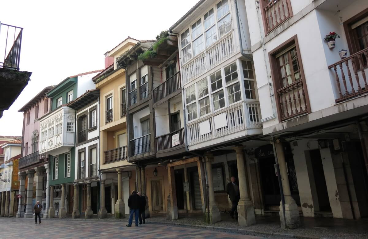 Ruta accesible por Avilés: rivero