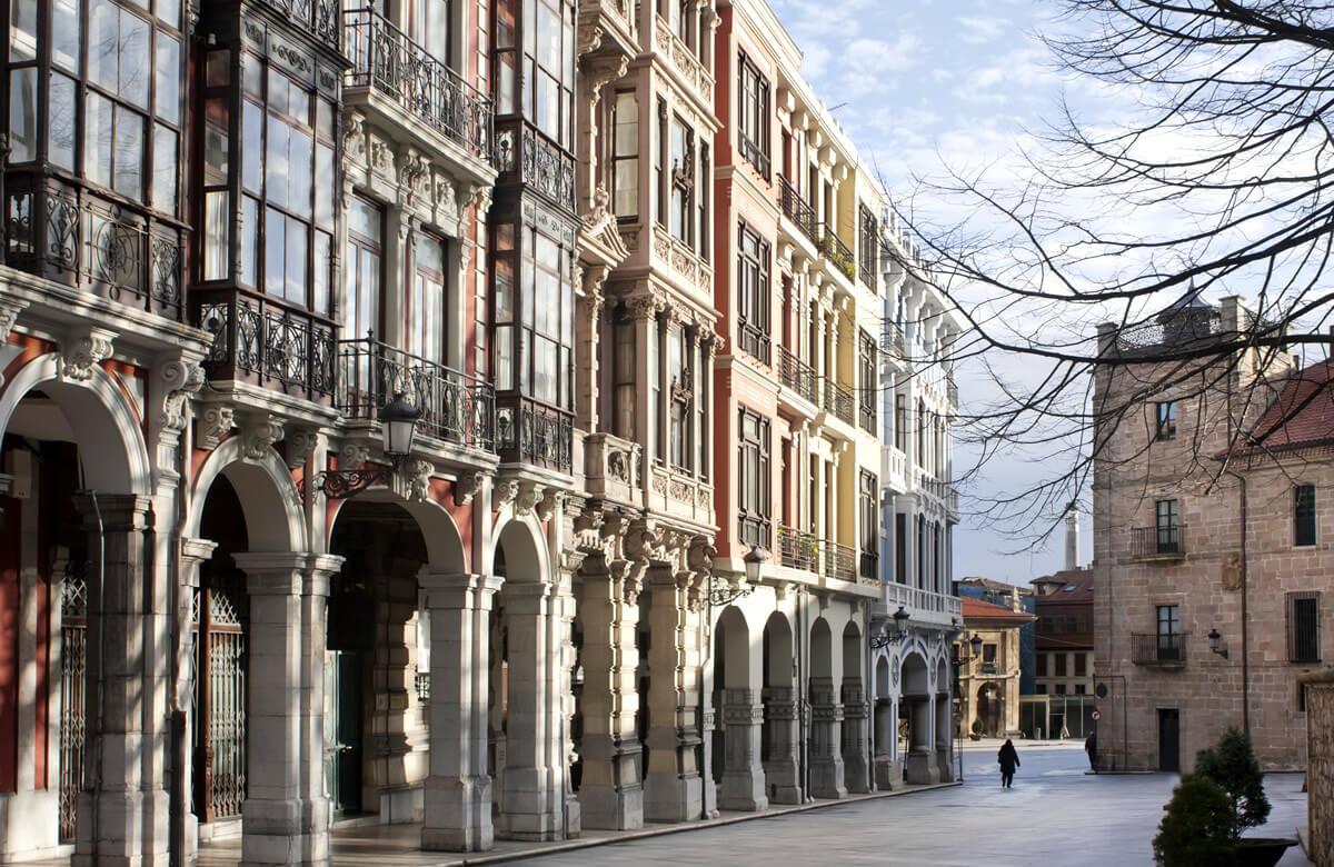 Ruta accesible por Avilés: calles soportaladas
