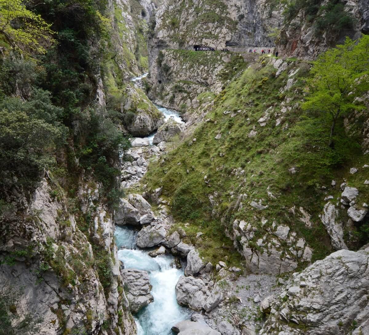 Escapada romántica a Asturias: ruta del Cares