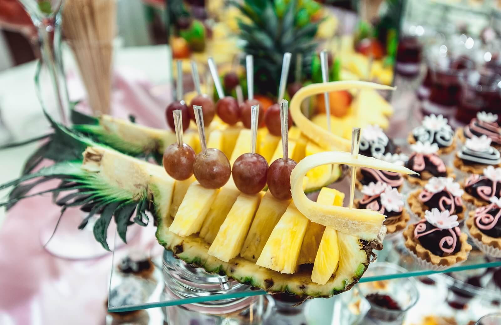 Mesa de frutas para Comuniones