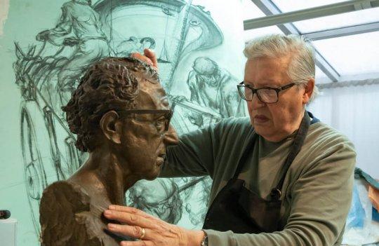 Exposición del pintor y escultor Santarúa