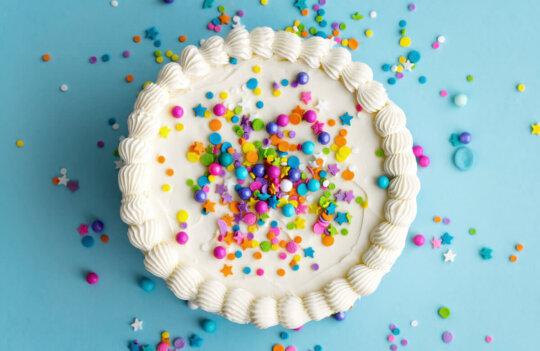 8 ideas para tartas de Comunión: un dulce divertido y creativo