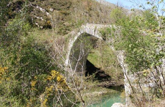 Ruta del río Dobra: llega hasta la Olla de San Vicente con los niños